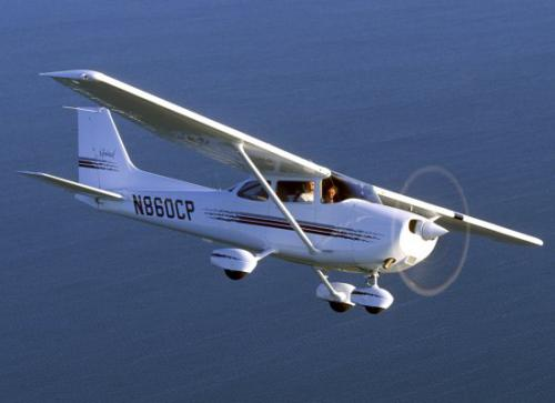 /userfiles/image/light/cessna172.jpg