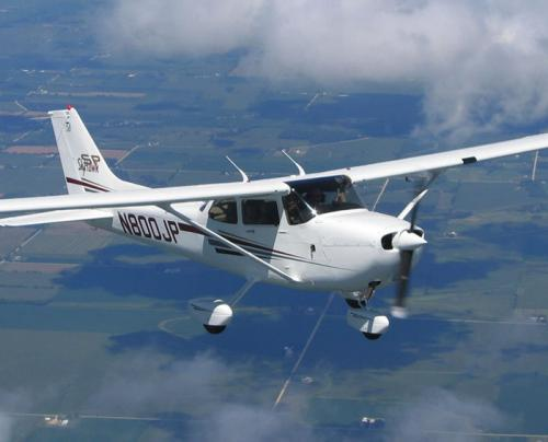 /userfiles/image/light/cessna172r.jpg