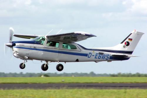 /userfiles/image/light/cessna210.jpg